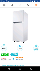 Fridge Samsung - bought brand new 5 months ago! Waitara Hornsby Area Preview