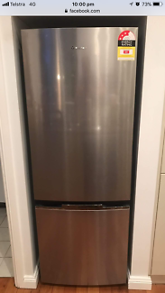 1 yr old Westinghouse 340L fridge, excellent condition