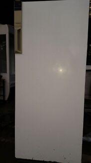 Westinghouse Silhouette 373 Single Door Upright Deep Freezer Northcote Darebin Area Preview