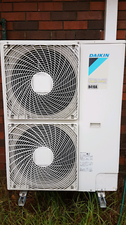 Air conditioning ducted  Full House $900