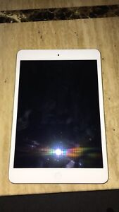 iPad Mini 2 16GB *BARELY USED* *GREAT CONDITION*