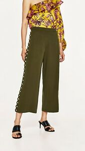 Wide legged Zara pants with button detailing