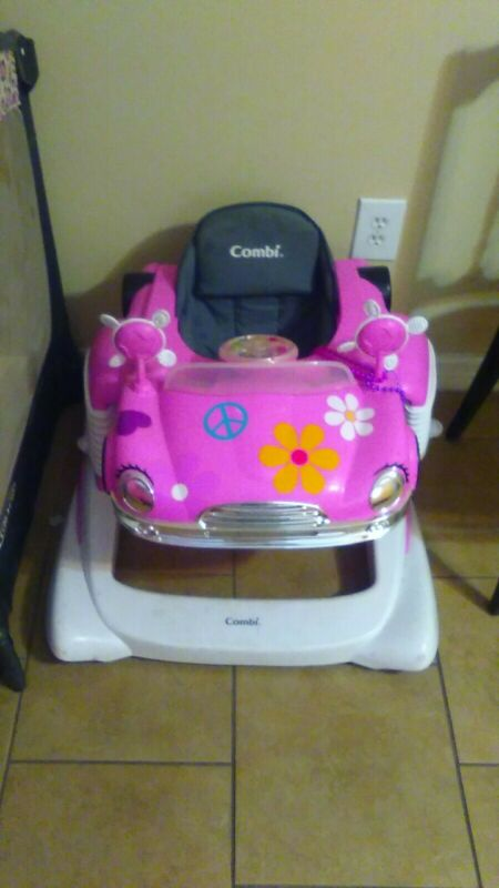 Combi All-in-1 Mobile Entertainer Pink baby walker pick up only