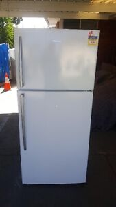 Factory Second Hisense 526L Stainless Fridge Freezer Free Delivery