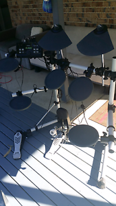 Yamaha DTX500 electronic drum kit. Safety Beach Coffs Harbour Area Preview