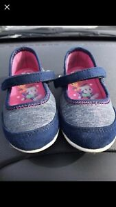 Kids sneakers / shoes