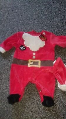 BNWT Boys/girls Christmas 2 Piece Outfit father Christmas size, new born