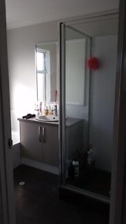 Room free in spacious, modern shared house