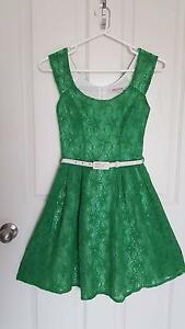 REVIEW Lace Dress in green with Belt - size 6 ** AS NEW