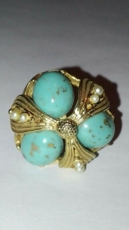 Vtg Faux Turquoise Cabochon Gold Tone Adjustable Ring