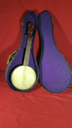 Regal Banjo Ukulele Uke Banjolele, in Vintage Period Case