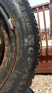 """15"""" 4x100 steel rims with snow tires 195/60r15"""