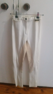 Childs size 10 Medowie Port Stephens Area Preview