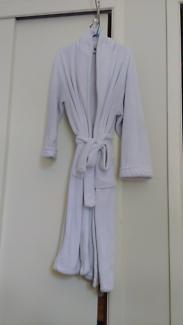 Bambury micro plush white robe - size S/M
