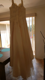 Wanted: Wedding dress