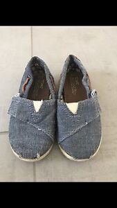 Chambray denim Toms. Size 5.5 and 6.5.