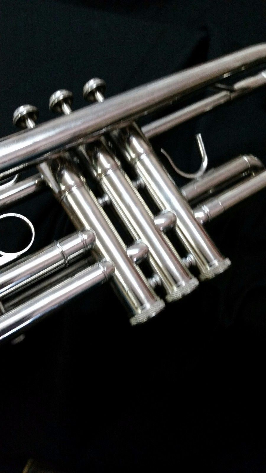 Bb TRUMPET-BANKRUPTCY-NEW STUDENT TO INTERMEDIATE CONCERT SILVER BAND TRUMPETS