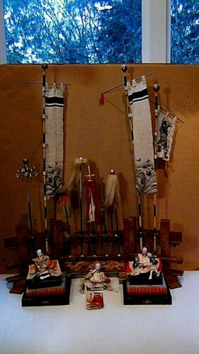ANTIQUE 19c JAPANESE UNIQUE SET OF 3 SAMURAI DOLLS ON STAND W/9 FLAGS & BANNERS