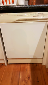 Westinghouse Dishwasher Springfield Gosford Area Preview