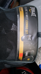Boxing gloves and mits Dianella Stirling Area Preview