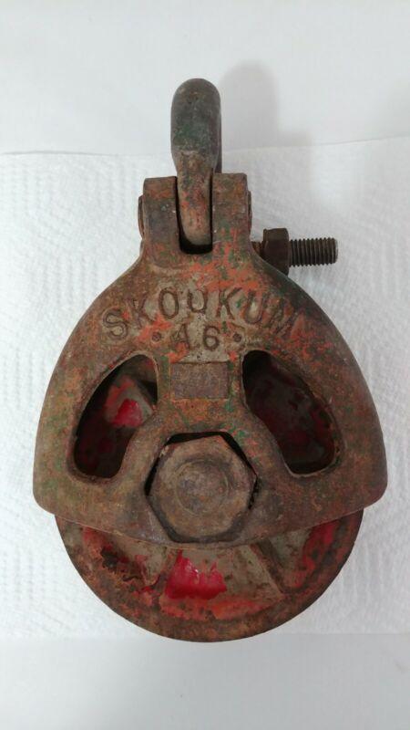 Vintage Industrial Art Deco Skookum Pulley A6 Snatch Block Cable Puller!