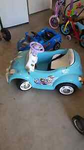 2 x girl and boy electric cars Maryland Newcastle Area Preview