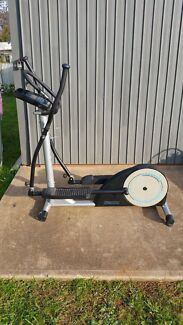 Elliptical trainer/cross trainer Hillbank Playford Area Preview