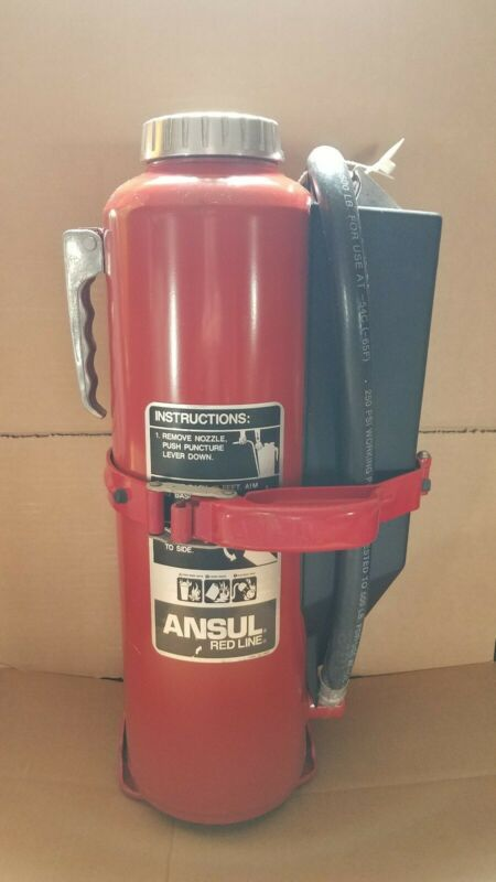 ANSUL RED LINE 20lb. ABC DRY CHEMICAL FIRE EXTINGUISHER  AND BRACKET