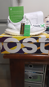 Ultraboost 2.0 triple white size 9 Rouse Hill The Hills District Preview