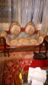 Antique love seat Rosewater Port Adelaide Area Preview