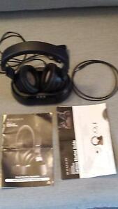 Bauhn Cordless Headphones - NEW! Bought a week ago, no box. Carnegie Glen Eira Area Preview