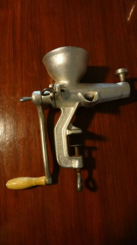 Vintage Cast Iron Fruit Grinder Juicer