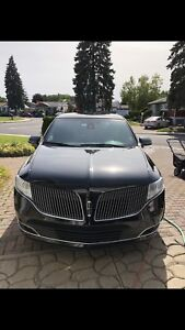Lincoln MKT 2014 town car impeccable !