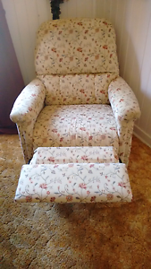 Recliner arm chair Tenterfield Tenterfield Area Preview