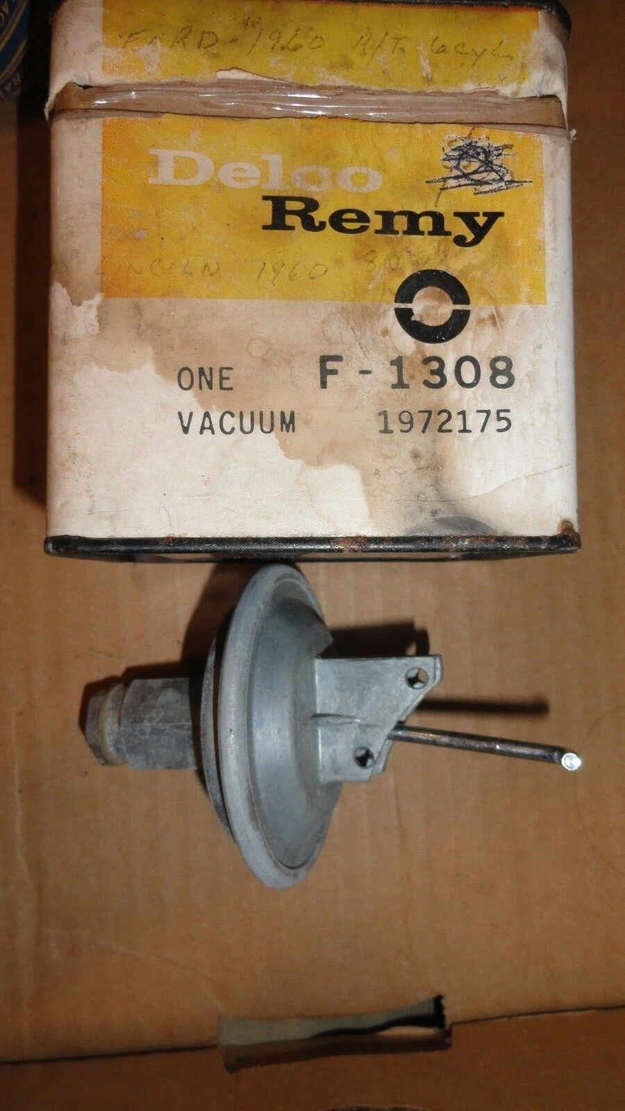 1961-62 MERCURY 60 EDSEL 60-63 FORD 6 CYL DISTRIBUTOR VACUUM ADVANCE C0AF12370A