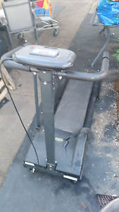 Free old style treadmill Liverpool Liverpool Area Preview