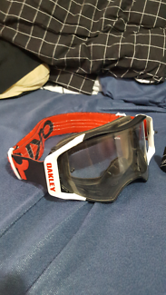 Moto / snow goggles