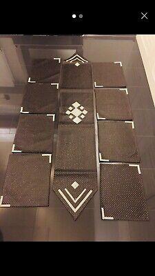 Braune Leder Platz (Tischdecke Set aus 8x Platzset 1x Tischläufer DEKO,GLITZER,KUNSTLEDER, BRAUN!NEU)