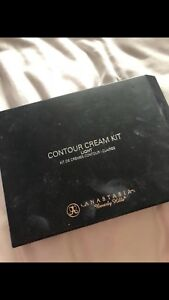 Anastasia Cream Contour- LIGHT
