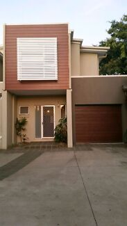 Room in modern townhouse CARINA HEIGHTS Carina Heights Brisbane South East Preview
