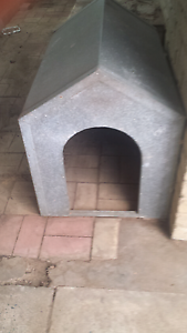 Dog hut/ kennel for vehicle or floor mounted. Brookdale Armadale Area Preview