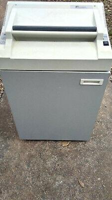 Fellowes Powershred 380 Shredder With Metal Frame Inside
