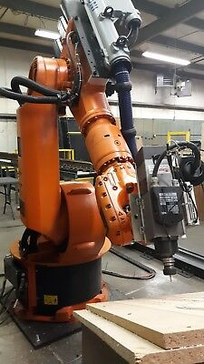 Kuka Industrial Robotic Arm. Milling Deburring And Polishing. Kr150-2 Krc2