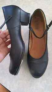 BLOCH Ladies tap shoes black size 9 and a half. Excellent cond. Tugun Gold Coast South Preview