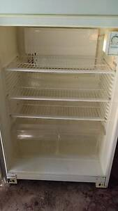 Kelvinator fridge/freezer Wyong Wyong Area Preview