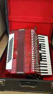 Honer 80 Bass Piano Accordion Kilmore Mitchell Area Preview