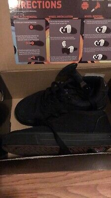 kids heelys shoes (3y) all black, in good condition