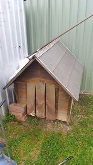 Dog house as per photos free  St Clair Penrith Area Preview