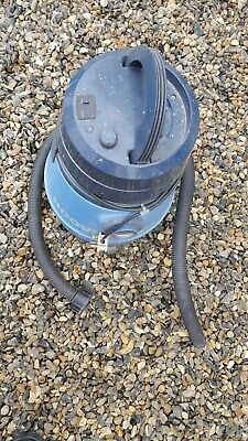 Hoover aqua plus 2200 Electronic Wet and Dry.Preowned item. G.w.o Vintage