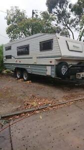 BUSHTRACKER OFF ROAD CARAVAN  20ft       1998/99 model